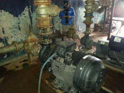 Servicios Públicos instaló una nueva bomba de agua en Caleta Olivia