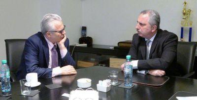 Passalacqua se reunió con Baltasar Garzón con eje en derechos humanos