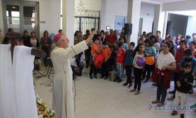Con poesía Stanovnik invitó a buscar entre los pobres la imagen de carne y hueso de Jesús