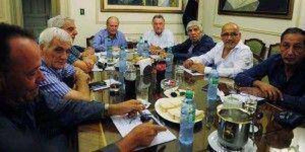 Cumbre de la CGT: Moyano y Palazzo discreparon por marcha al Congreso en reclamo de Ganancias