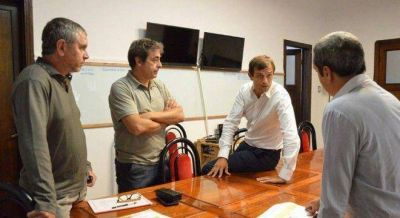 Cumbre de intendentes peronistas en Bol�var para evitar que Macri se quede con la FAM