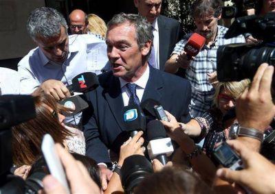 Macarrón se declaró inocente y su defensa apunta a un empresario
