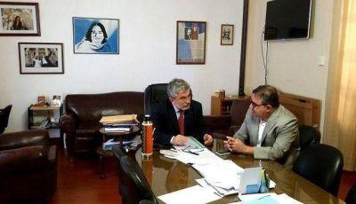 El ministro Guti�rrez se reuni� con el intendente Jalil