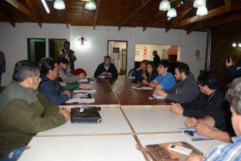 Mesa de Unidad Sindical anunci� paro provincial para el 20 de abril