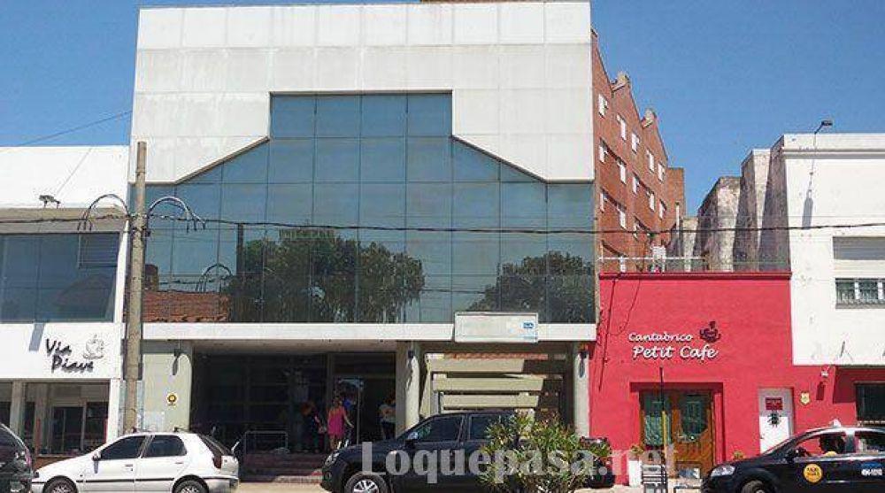"""Incertidumbre en el Sanatorio Eva Duarte: """"Queremos saber por qué se está dilatando tanto"""""""
