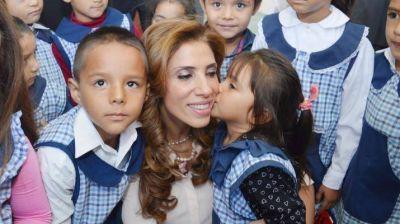 La gobernadora inauguró jardín de infantes en Los Acosta
