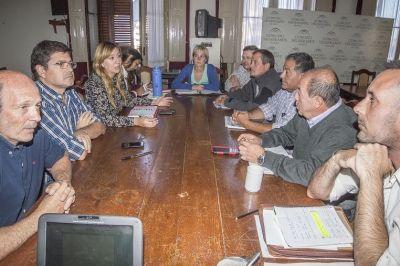 La Comisi�n de Obras P�blicas mantuvo una reuni�n con los funcionarios de dicha �rea