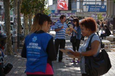 Trabajadores del CAJ juntaron firmas y piden audiencia con Galli