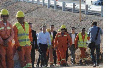 Macri inaugur� un puente con promesas a largo plazo