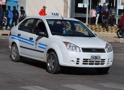 Rechazo de taxistas y concejales al desembarco de la aplicaci�n Uber