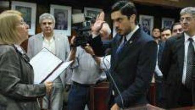 Facundo Cabral renunció al gabinete de la UNT