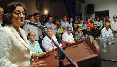 Lucía Corpacci convocó a los congresos del PJ provincial