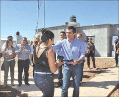 Entregaron viviendas del plan para asentamientos precarios
