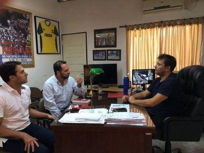Facundo Celasco y Gonzalo Tavela se reunieron con el autor de la nueva Ley del empleado municipal