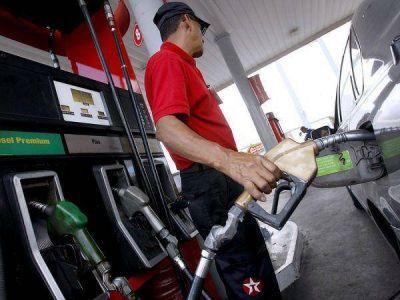 Viernes de aumentos: 300 por ciento el gas y 12 los combustibles