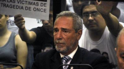 Ordenaron detener a Ricardo Jaime