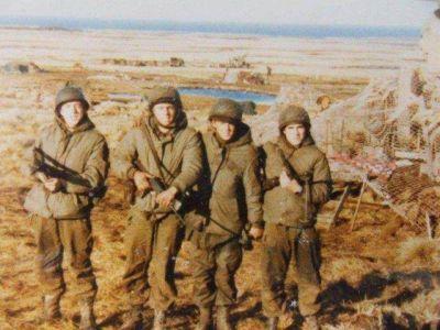 Schroeder expres� que �hay que darle sentido al sacrificio de los j�venes que dejaron la vida defendiendo la Patria�
