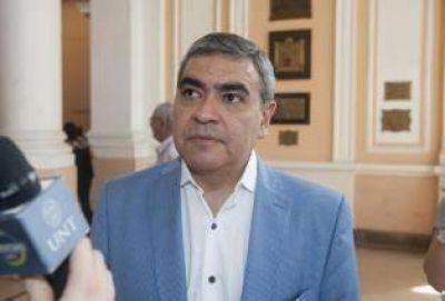 Según Alfaro, Manzur le quita dinero a la Capital
