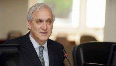 Gabriel Fuks exige que se declare la Emergencia Sanitaria por el dengue