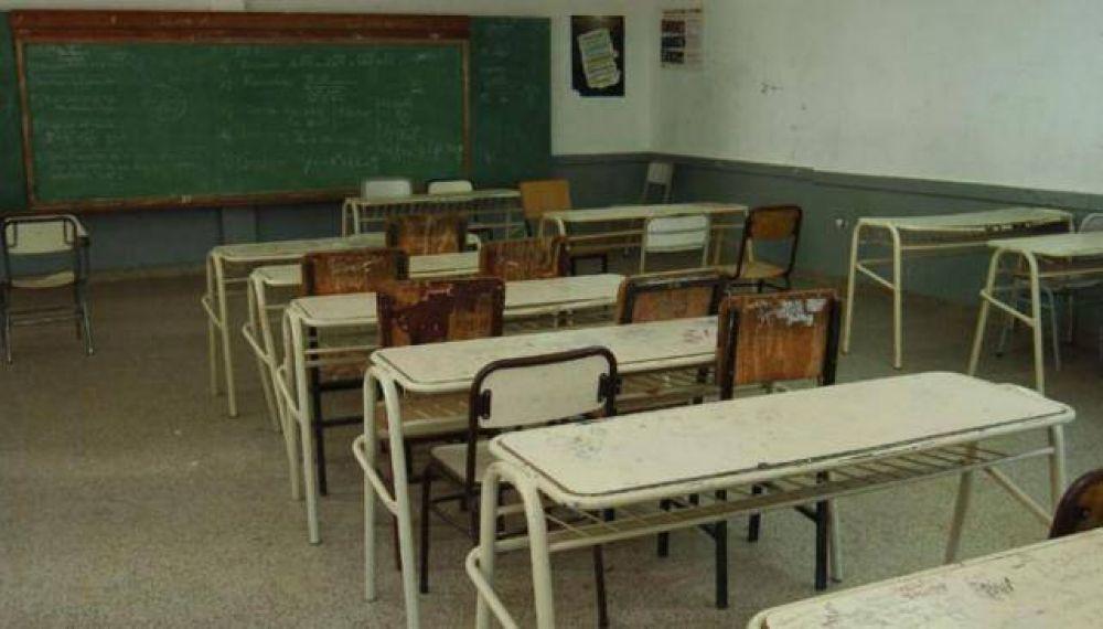 Los docentes paran este lunes por 24 horas