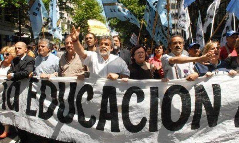 Los docentes salteños planean adherirse al paro nacional de hoy