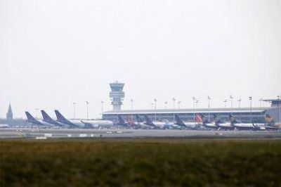 Tras los atentados, el aeropuerto de Bruselas reanud� su actividad