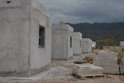 La Provincia reclama más de $200 millones para viviendas