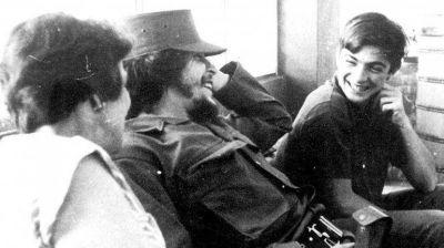 En 1976 Fidel Castro abandon� al hermano del