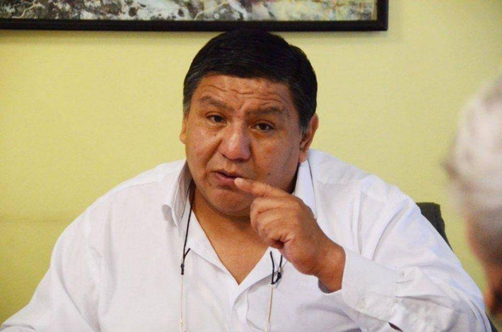 Ávila dice que si el barril llega a 50 dólares se termina la crisis petrolera