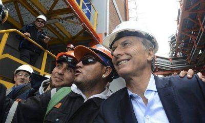"""En medio del escándalo, Macri vuelve a """"territorio amigo"""""""