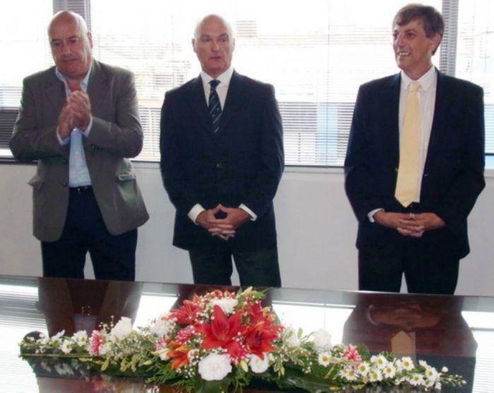 Jugando a las escondidas, Martín Merlini asumió en el Consorcio Portuario prometiendo obras de dragado