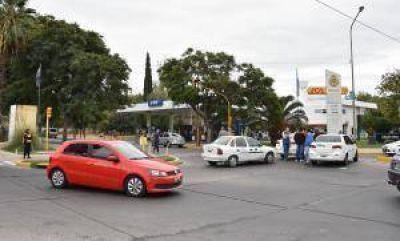 El aumento del GNC generó conflicto en taxis y remises