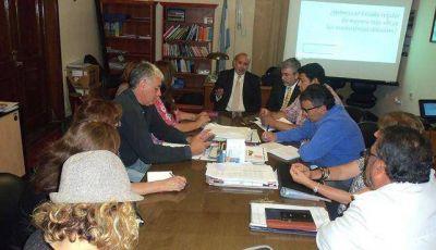 El ministro Gutiérrez recibió a los gremios docentes