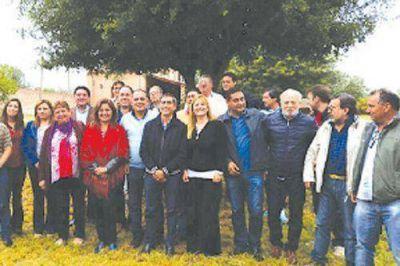 Diputados e intendentes reafirman respaldo a Casas