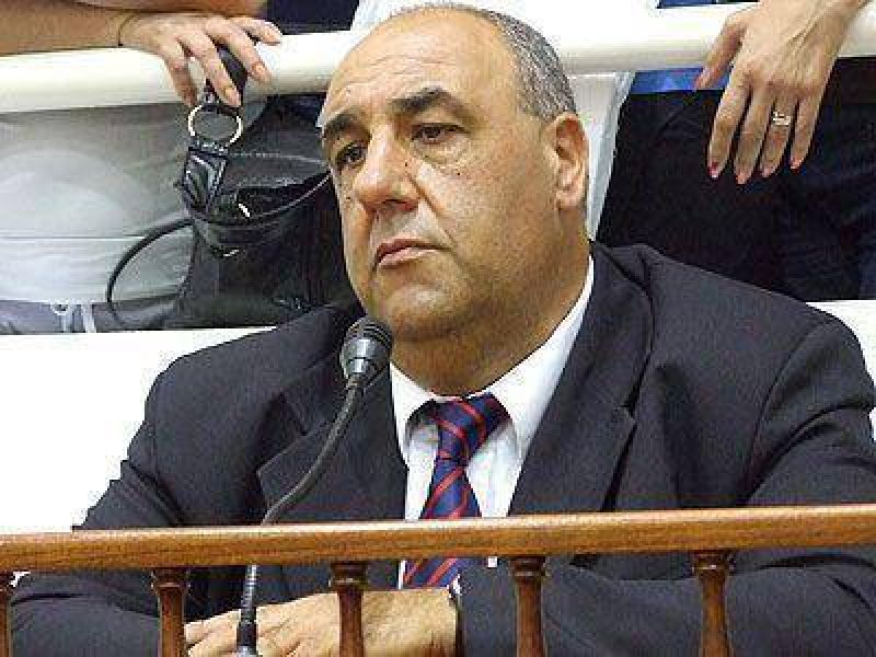 """Grassi criticó al oficialismo por """"jugar de atrás"""""""