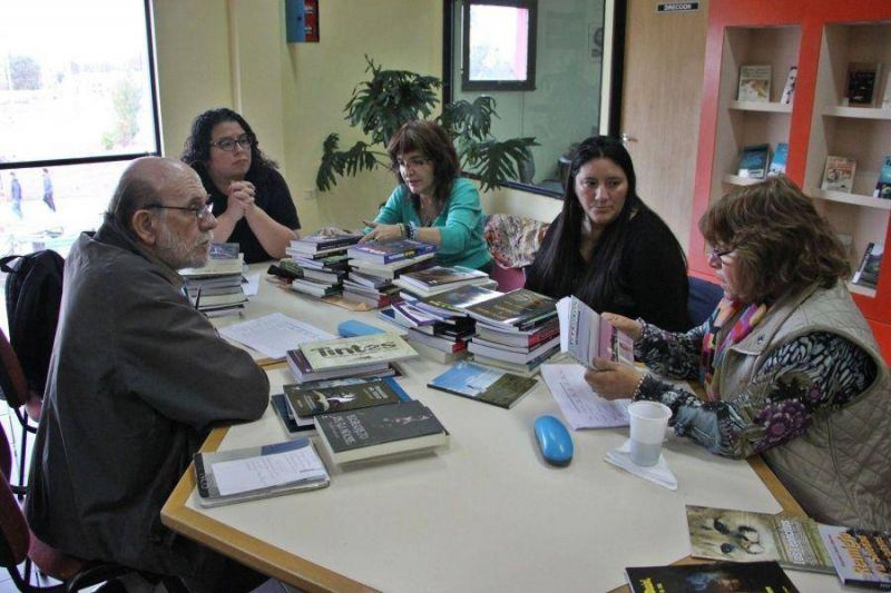 Se eligieron las obras que representarán a Santa Cruz en la Feria Internacional del Libro