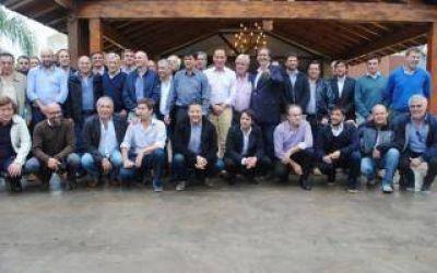 Cumbre de Intendentes del FpV en Roque Pérez