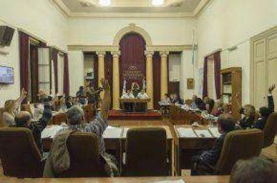 Aumento de tasas municipales y servicio eléctrico, ejes fundamentales en el debate parlamentario