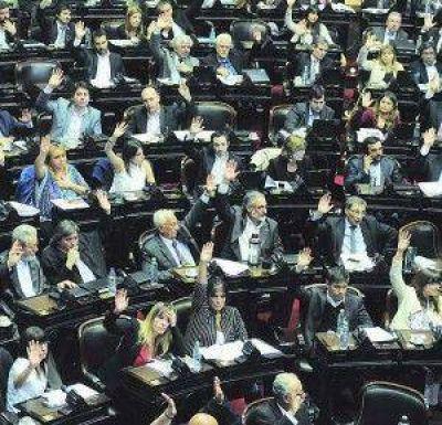 En sesión con escándalo, el Congreso validó la reforma por DNU de la ley de Medios