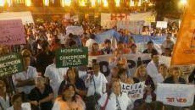 Trabajadores de la salud manifestaron en la plaza Independencia