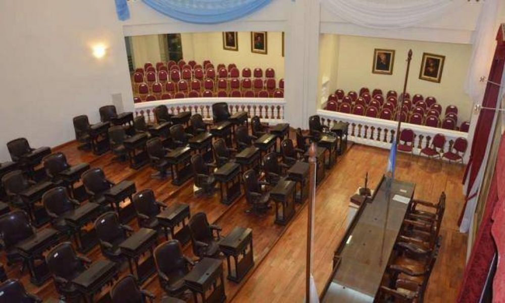 Sesiona Diputados en medio de una feroz interna peronista