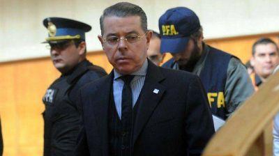 El juez Norberto Oyarbide anunció su renuncia