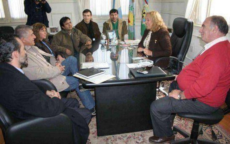 El Ejecutivo local e integrantes de Unión Celeste y Blanco mantuvieron un encuentro en virtud del diálogo político.