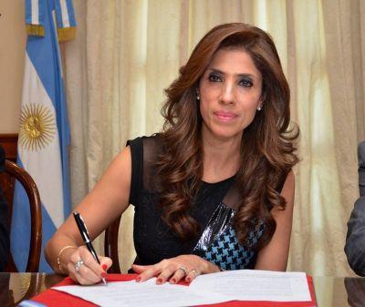 La gobernadora entregó aporte económico para su realización