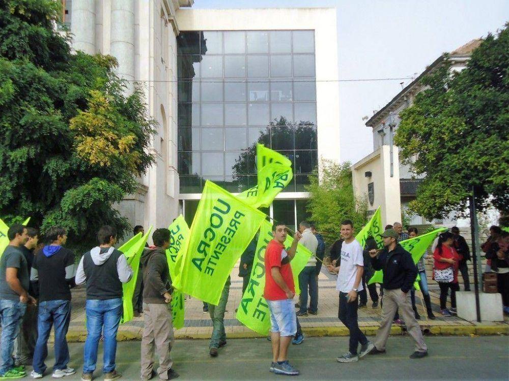 Trabajadores de la Uocra reclamaron por sus fuentes de trabajo