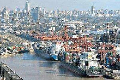 Por paro marítimo habría inconvenientes en suministro eléctrico y de combustibles
