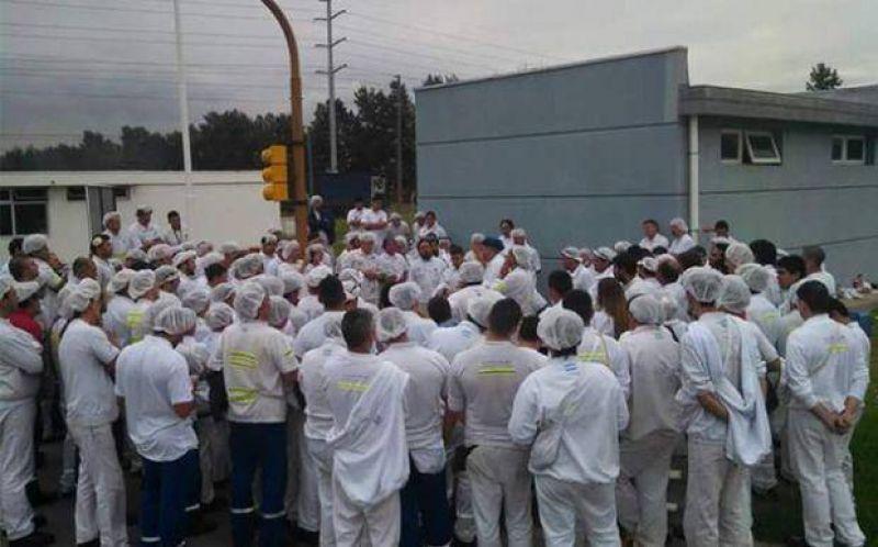 Principio de acuerdo en el conflicto de Unilever; los trabajadores levantaron el paro