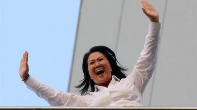 Ganó Keiko Fujimori pero habrá balotaje en Perú