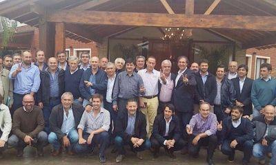 "Intendentes kirchneristas denuncian ""embate judicial"" contra Cristina"