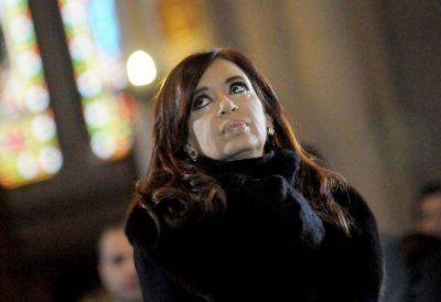 Entre citaciones judiciales y marchas de apoyo, CFK regresa a Buenos Aires